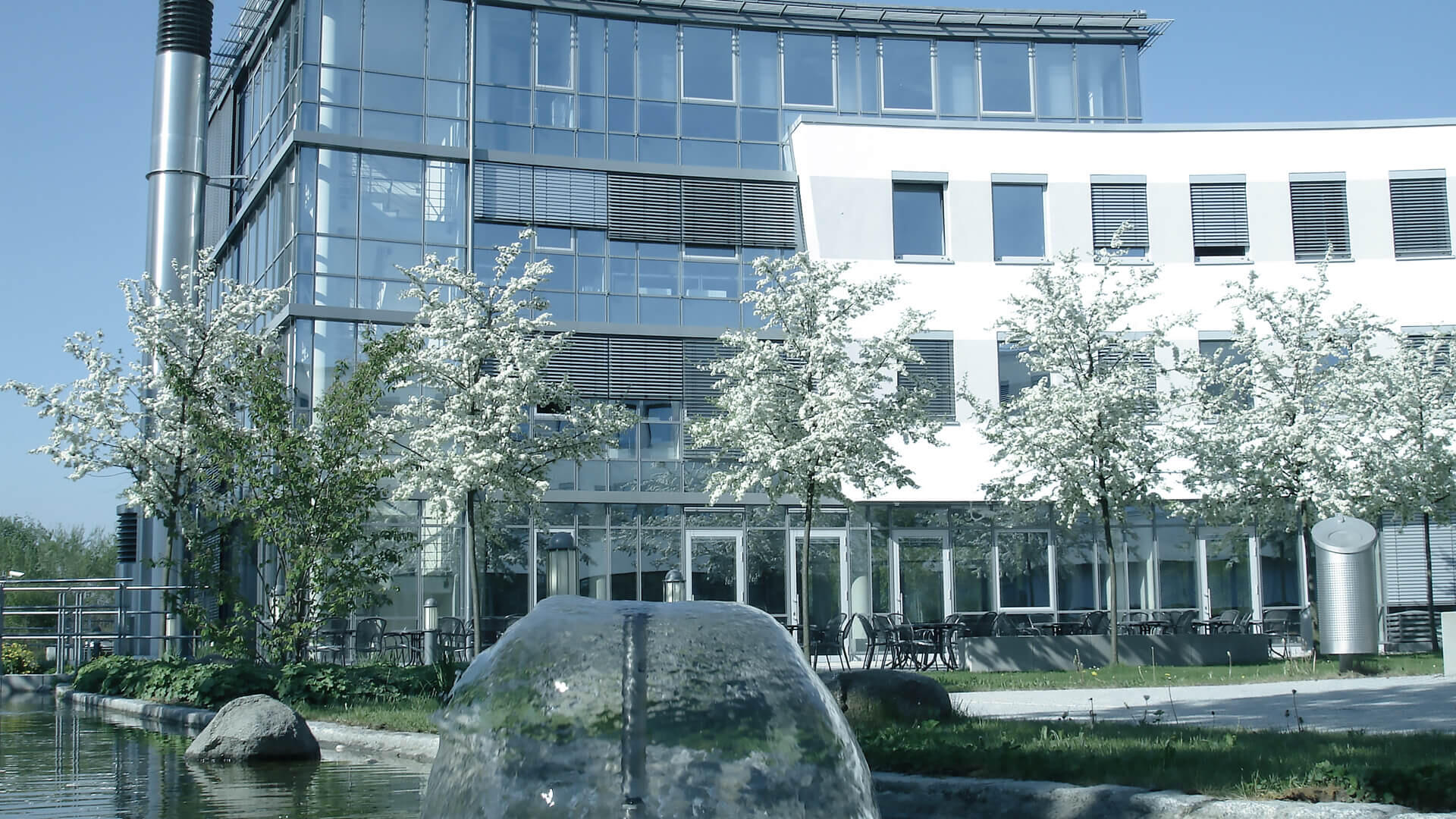 Technology and nature meet at the Tebis headquarters in Martinsried near Munich